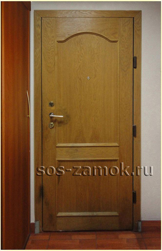 Процесс установки накладки МДФ на дверь