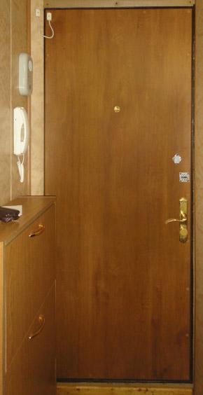 Дверь выглядит как новая