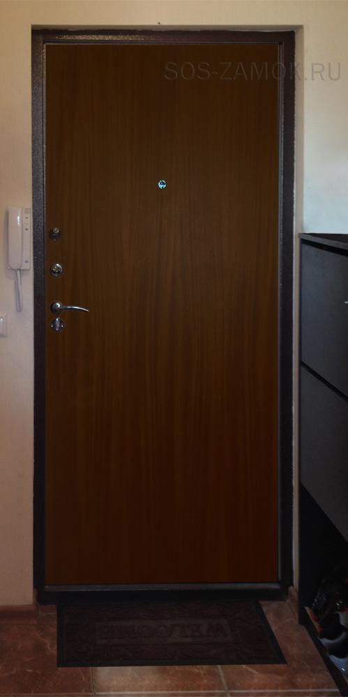 Внешний вид обычной дверной панели