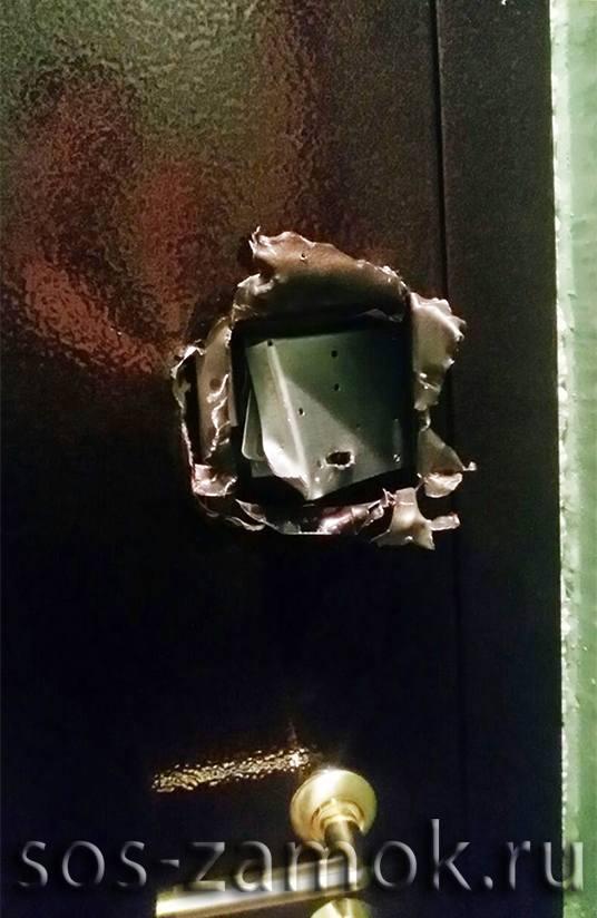 Ремонт дверей после вскрытия МЧС